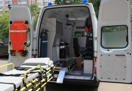 На какие моменты обратить внимание, заказывая перевозку лежачего больного?