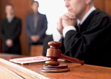 Нужен адвокат по уголовным делам?