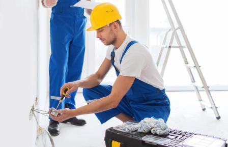 Почему стоит доверить ремонт квартиры профессионалам.